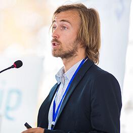 Dan Amramov